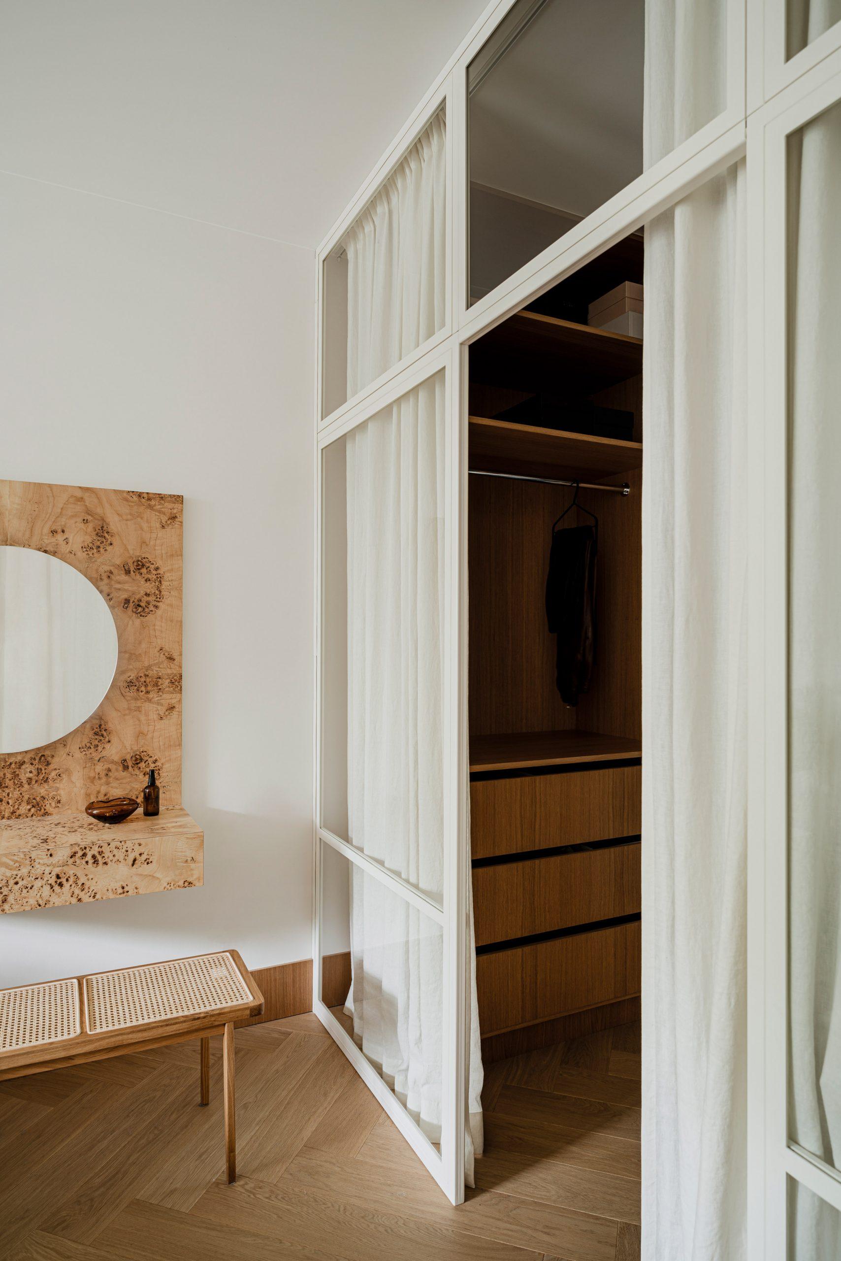 Bedroom of Botaniczna Apartment by Agnieszka Owsiany Studio
