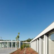 Exterior of Canine and feline hotel by Raulino Silva Arquitecto