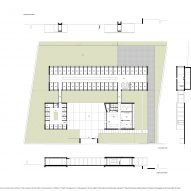 Plans for Canine and feline hotel by Raulino Silva Arquitecto