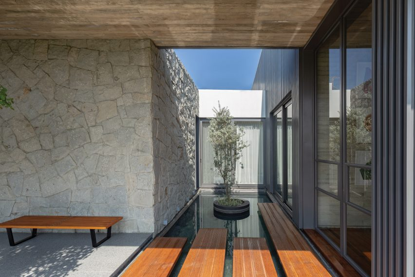 6M House by Jannina Cabal in Ecuador
