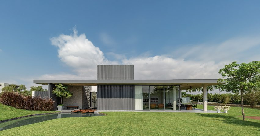 Exterior of 6M House by Jannina Cabal in Ecuador