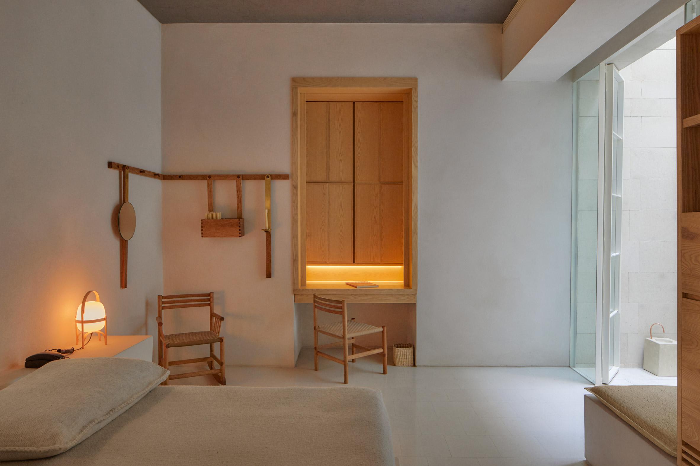 Bedrooms of Circulo Mexicano hotel in Mexico City by Ambrosi Etchegaray