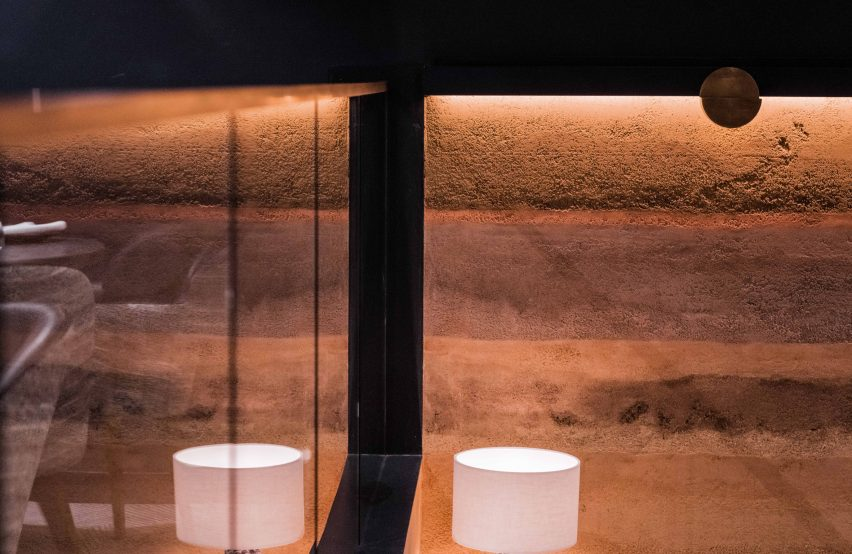 Walls covered with Rammed Earth Finishes clay plaster by Clayworks