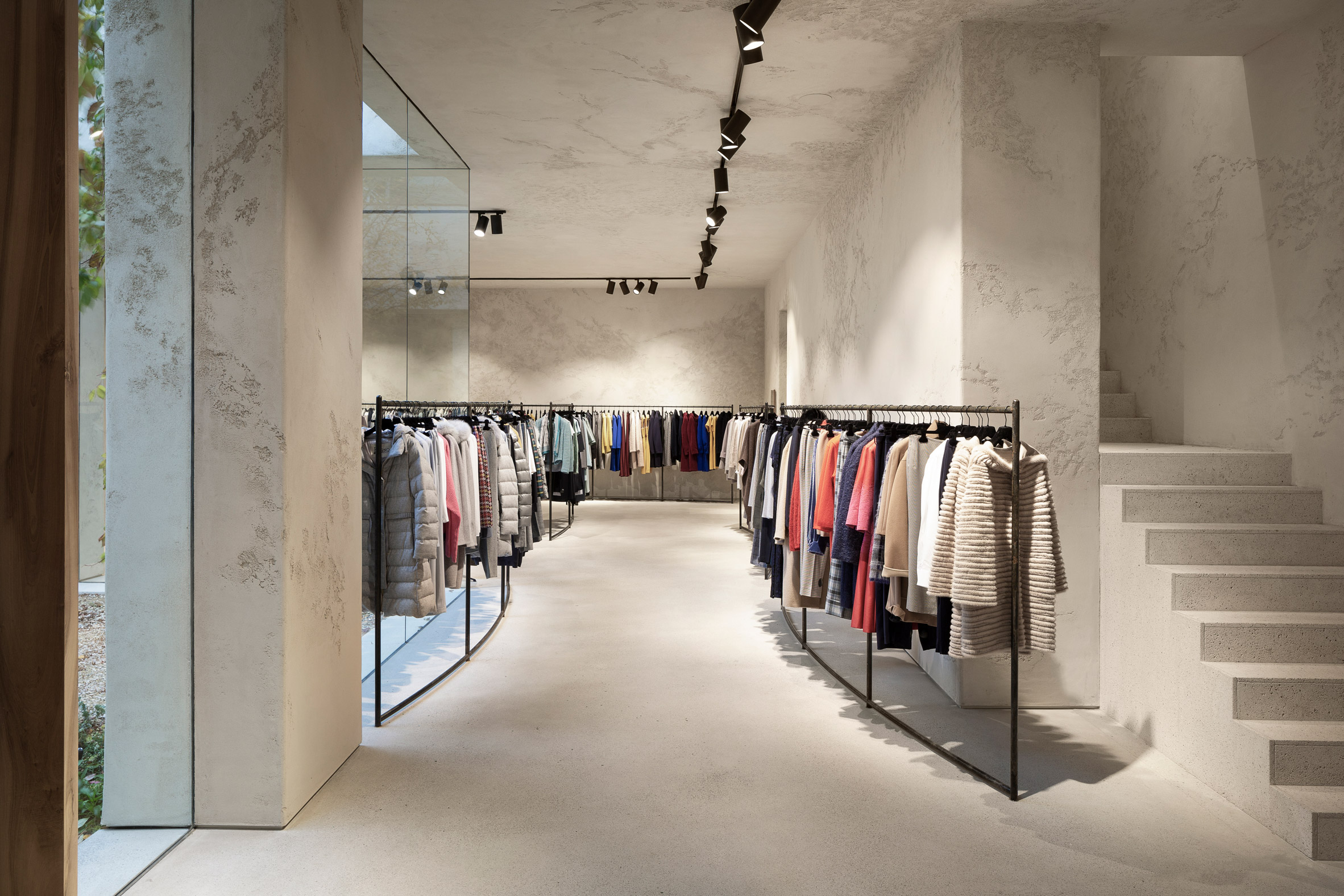Retail space with Clay Plasters Rustic Range walls by Clayworks