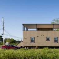 """""""Looks like the unwanted child of Villa Savoye and a trailer"""" says commenter"""