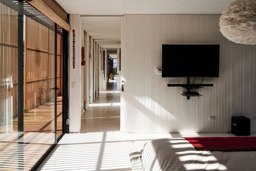 Bedroom in Engawa House by Santiago Valdivieso and Stefano Rolla