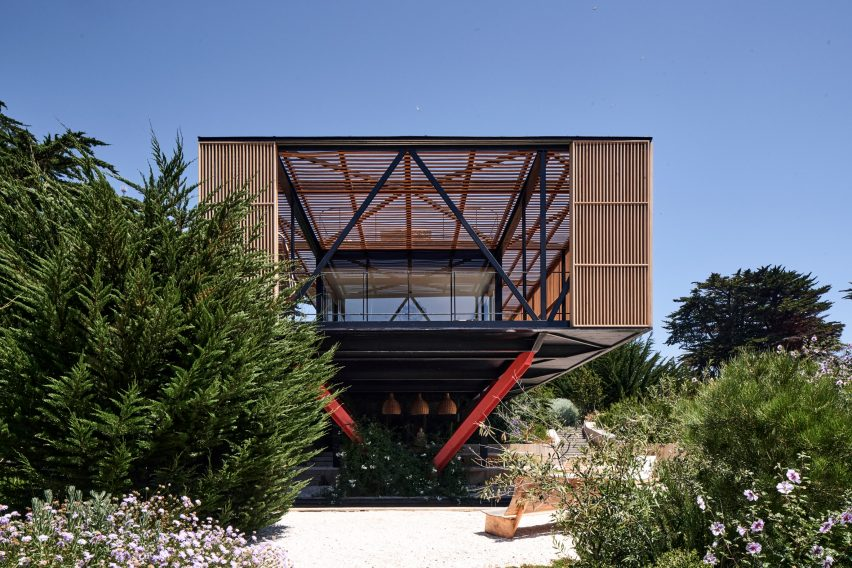 Front of Engawa House by Santiago Valdivieso and Stefano Rolla