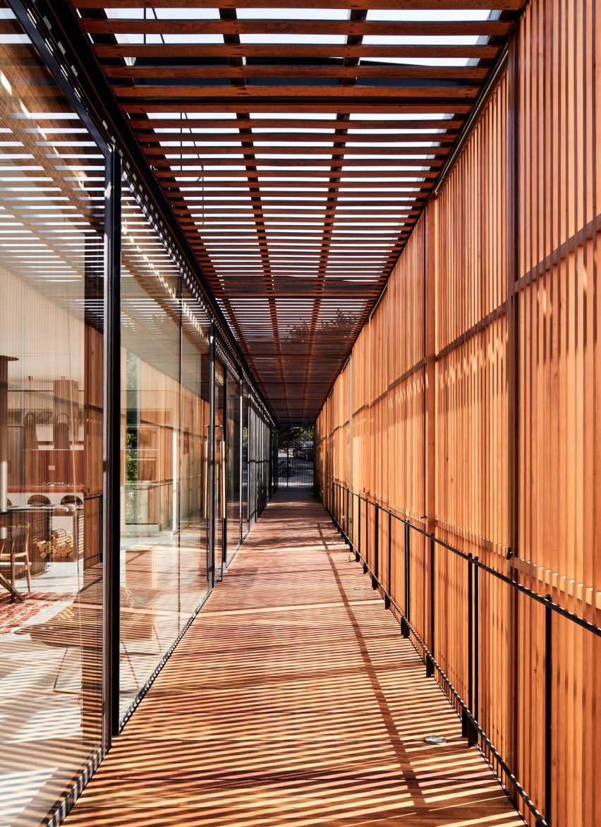 Walkway in Engawa House by Santiago Valdivieso and Stefano Rolla