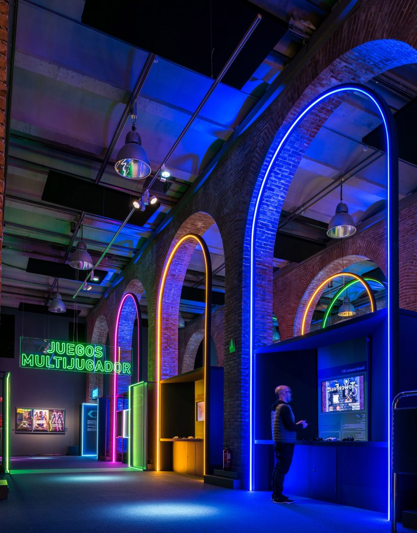 LED arches in Smart & Green Design's video game exhibition design