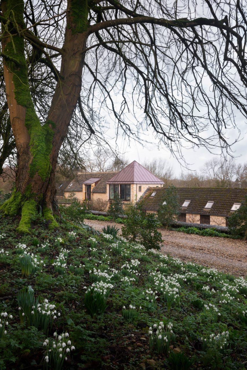 Exterior of Richard Parr Associates' Grain Loft Studio on Easter Park Farm