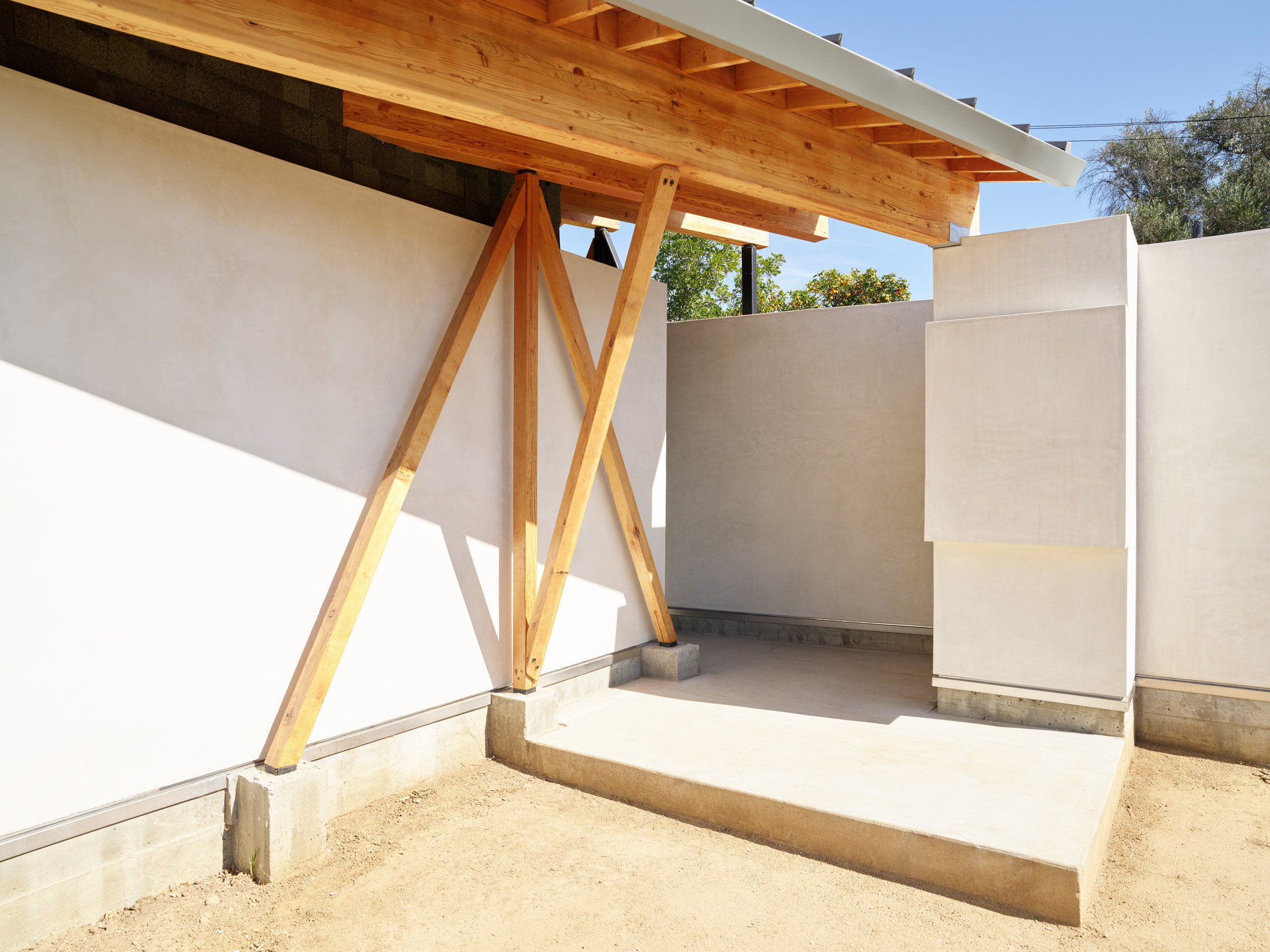 House in Los Angeles by The LADG