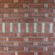 Brick partition in La Nave apartment in Madrid by Nomos