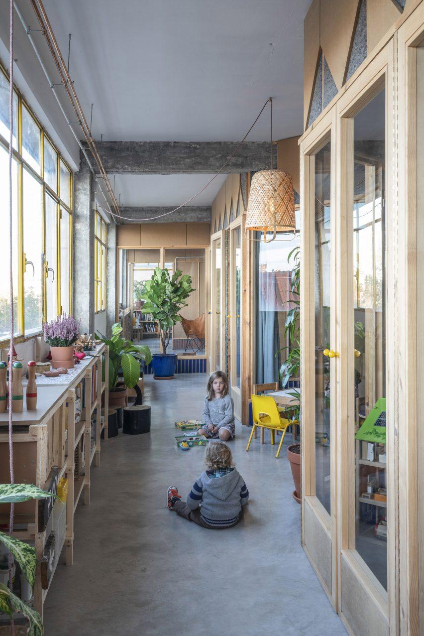 Winter garden of La Nave apartment in Madrid by Nomos