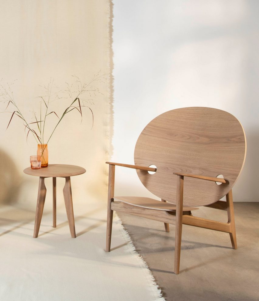 Iklwa chair and table by Mac Collins for Benchmark