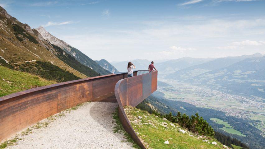 Snøhetta cantilevered viewing platform in Austria