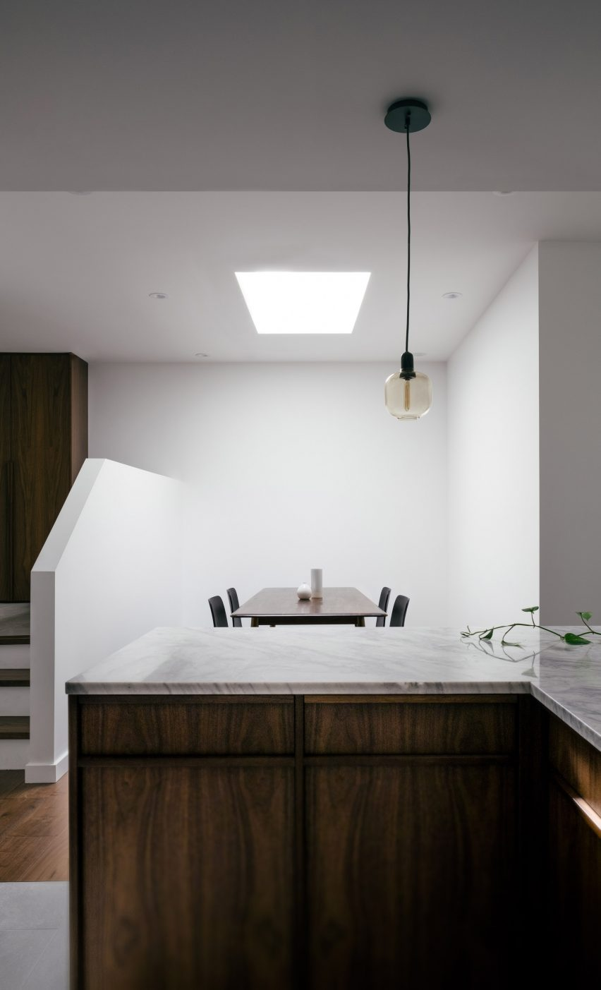 Kitchen and dining room in St Lawrence by Odami