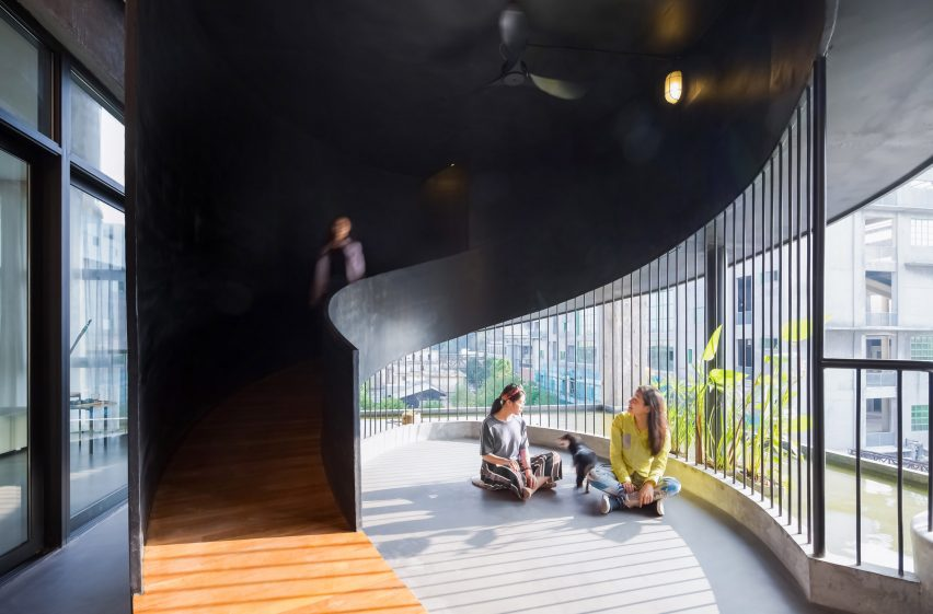 Communal area of Borderless Community of Zi Ni Twelve Portals, housing project designed by Fei Architects in Guangzhou, China