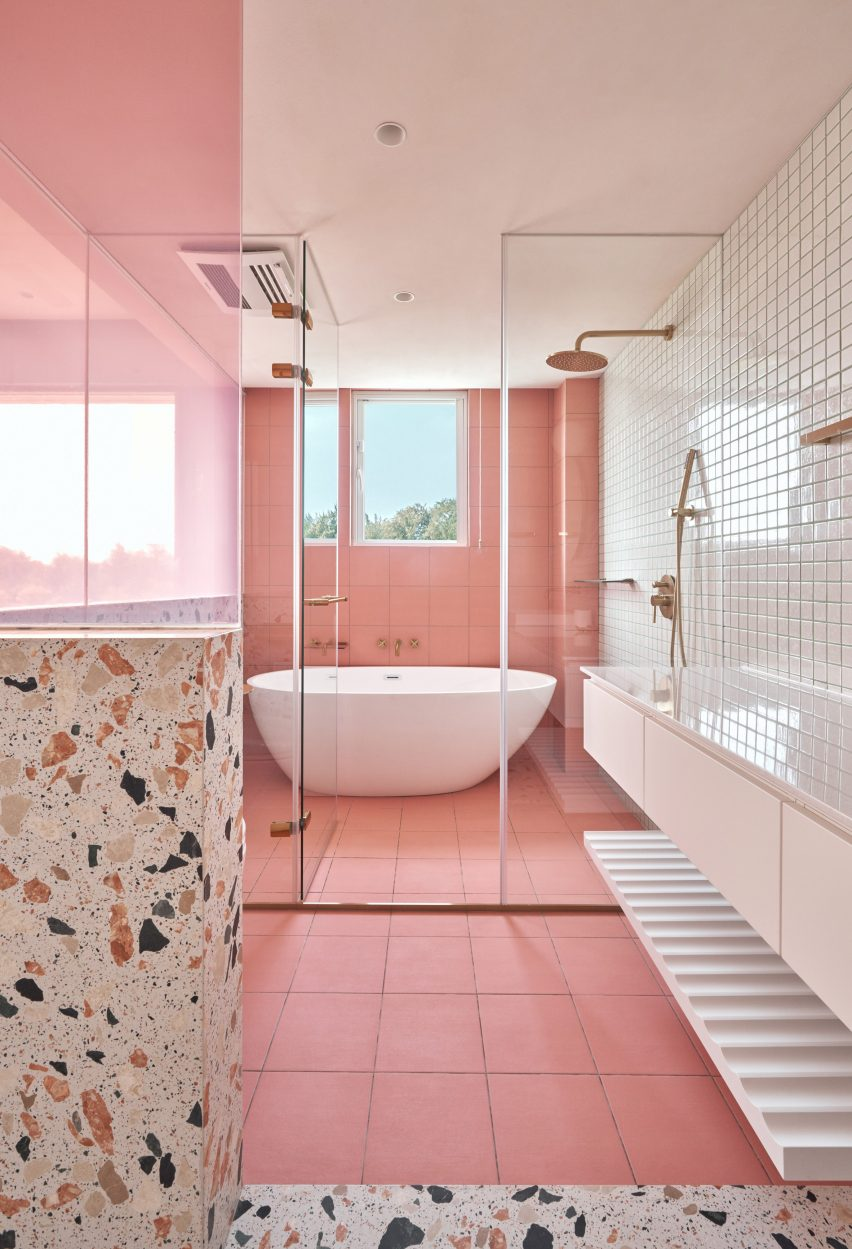 Thirty Bathrooms By Architects Including Concrete Stone And Tiled Designs
