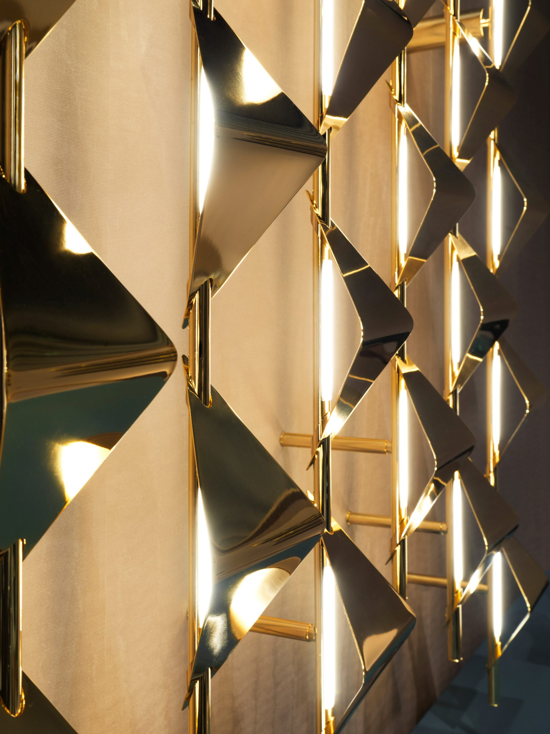 Draga & Aurel's Sputnik lights from Visionnaire's Beauty collection