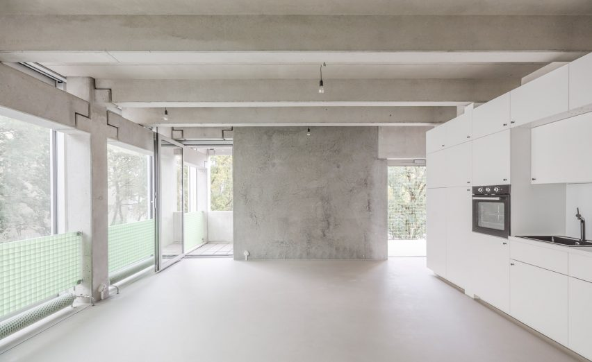 Interior walls of Wohnregal prefabricated concrete housing block by FAR in Berlin, Germany