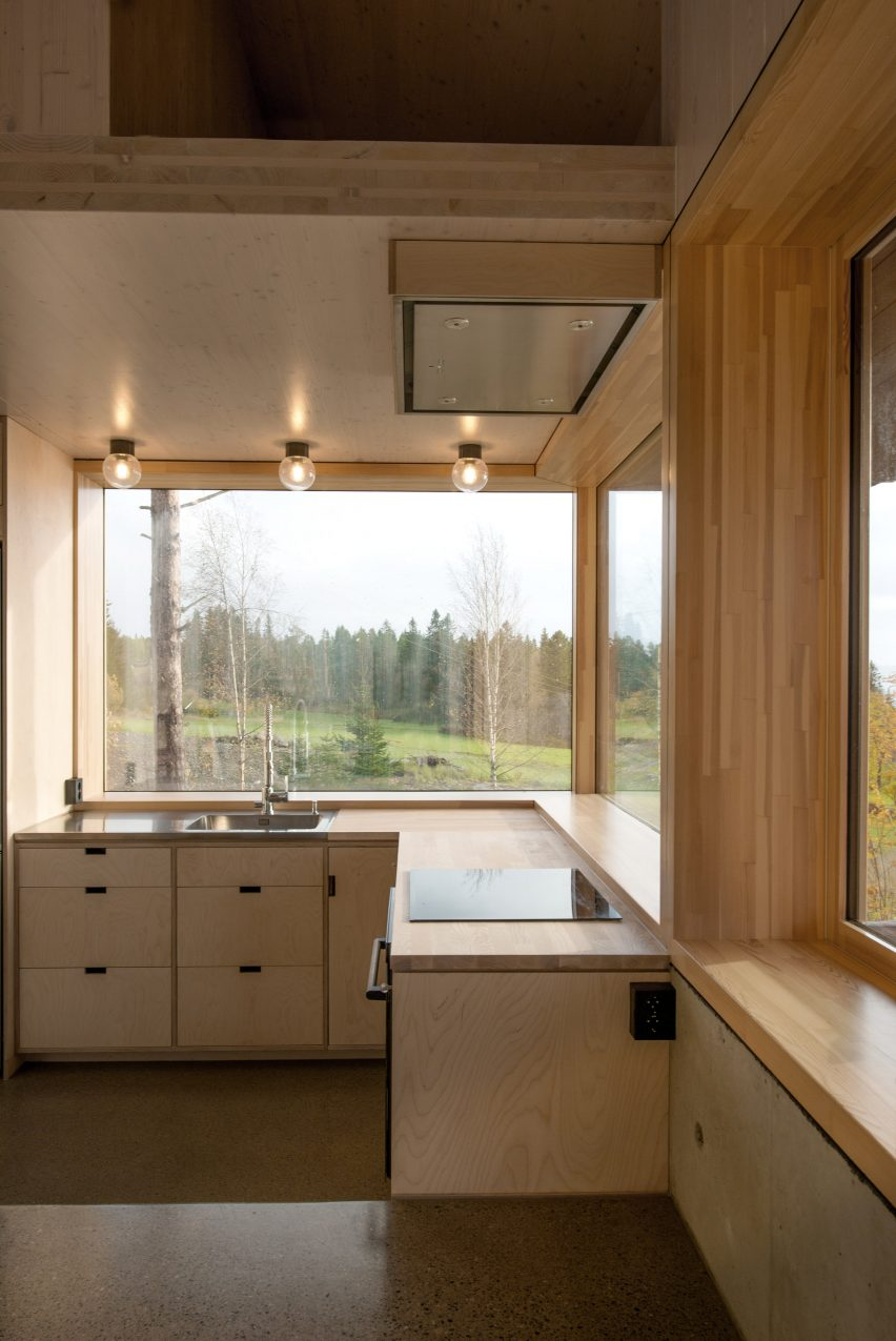 Birch plywood kitchen in a cabin
