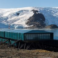 The upper volume of the Comandante Ferraz Antartic Station by Estúdio 41 in Antarctica