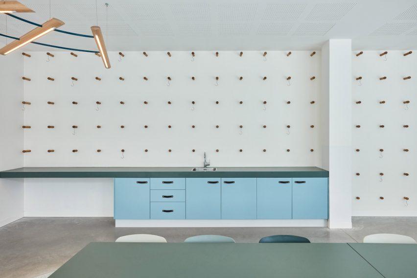 Kitchen in Domstate Zorghotel rehabilitation centre by by Van Eijk & Van der Lubbe, Utrecht