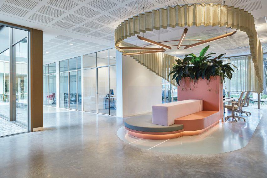 Staff offices for Domstate Zorghotel rehabilitation centre by by Van Eijk & Van der Lubbe, Utrecht