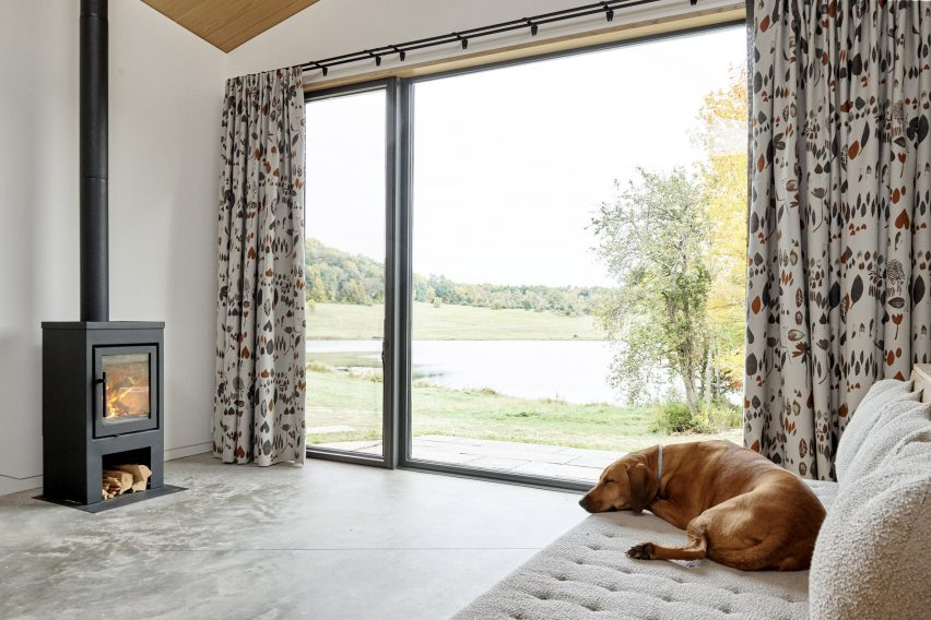 Bedroom in Dutchess County Studio by GRT