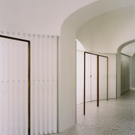 Arched doorways in Grifo210 boutique by Paritzki & Liani Architects