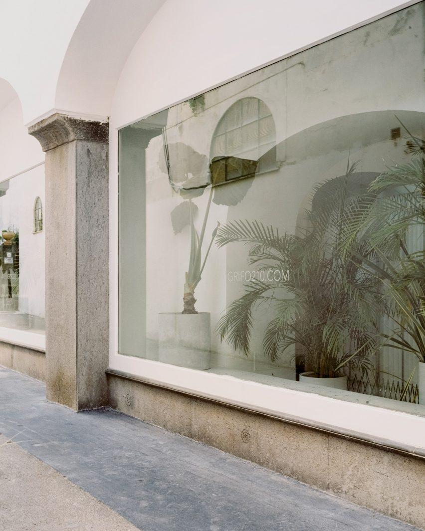Shop window of Grifo210 boutique by Paritzki & Liani Architects