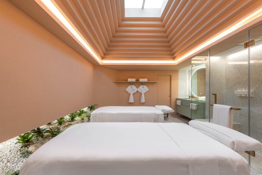 Tiered ceiling of Infinity Wellbeing spa in Bangkok