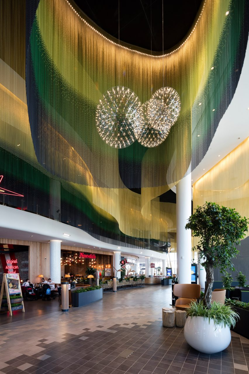 Chain-link ceiling solutions by Kriskadecor