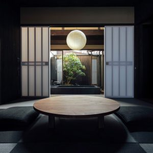 Living room inside Maana Kamo guesthouse by Uoya Shigenori
