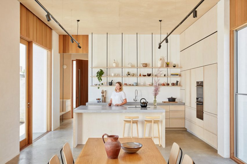 Kitchen with hanging open shelves