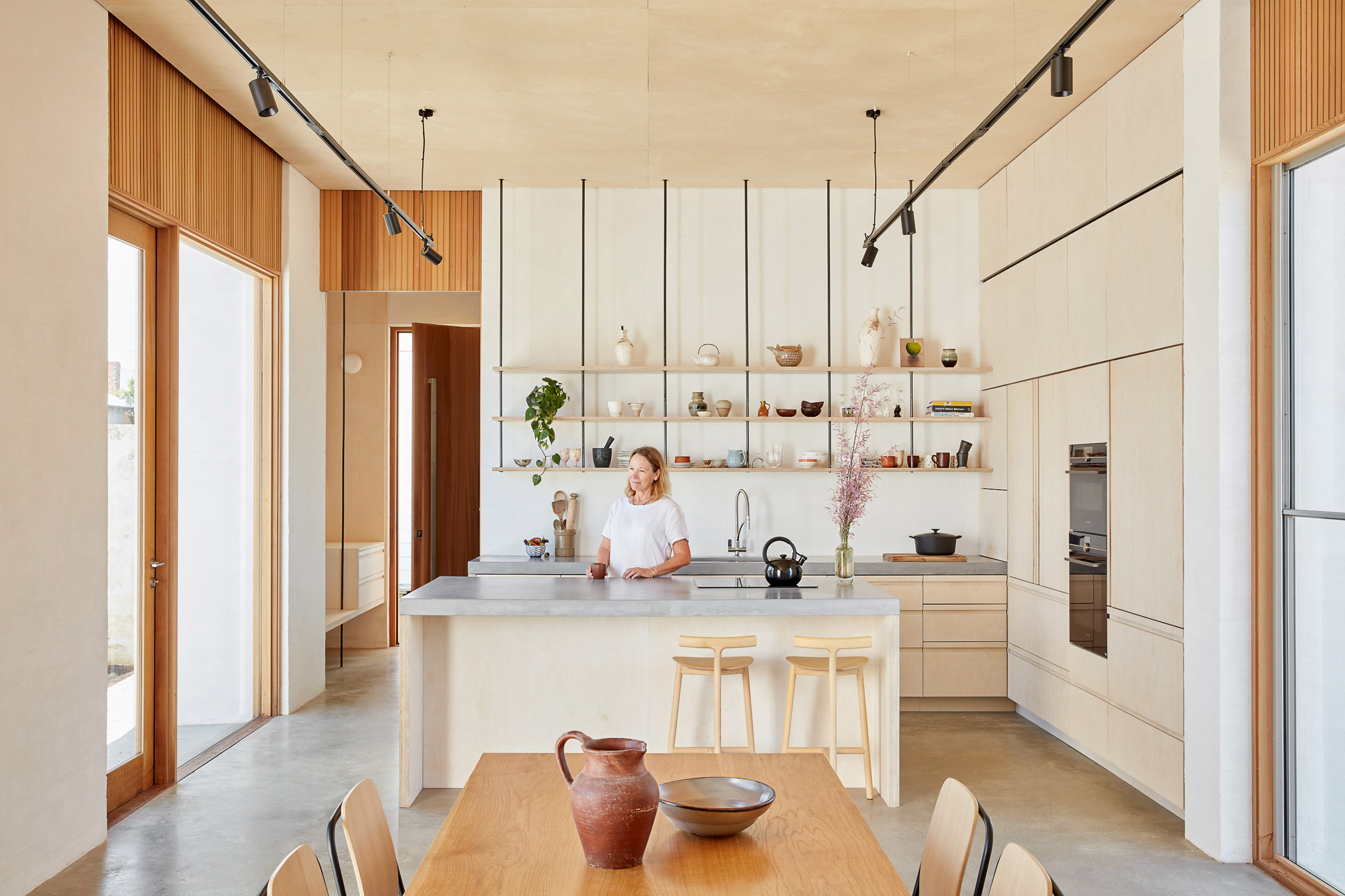 Cocina luminosa en la casa de Perth