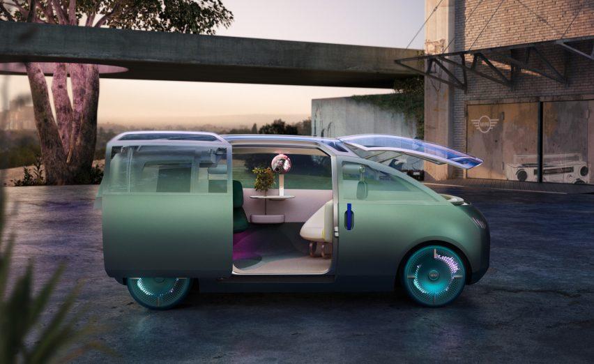 Exterior view of the MINI Vision Urbanaut concept vehicle