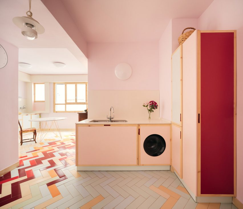 Pink kitchen with tiled floor