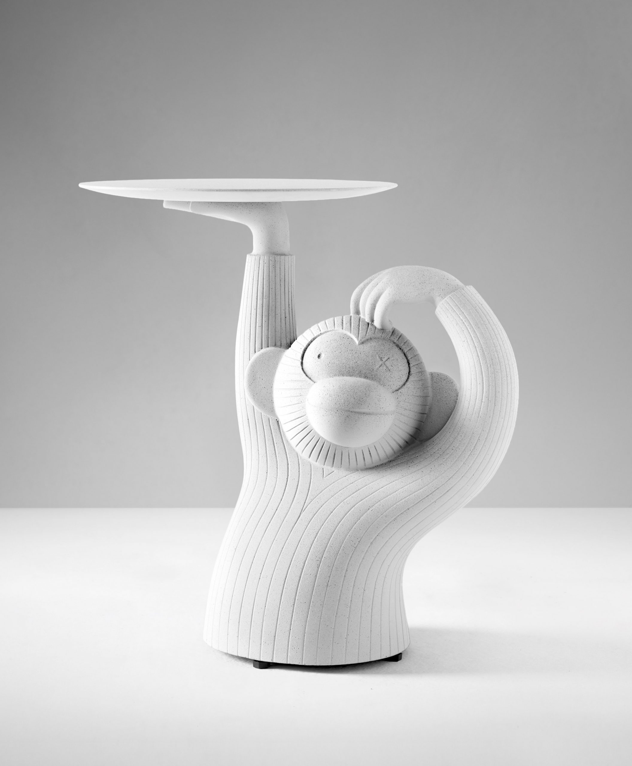 Front view of Monkey side table by Jaime Hayon for BD Barcelona