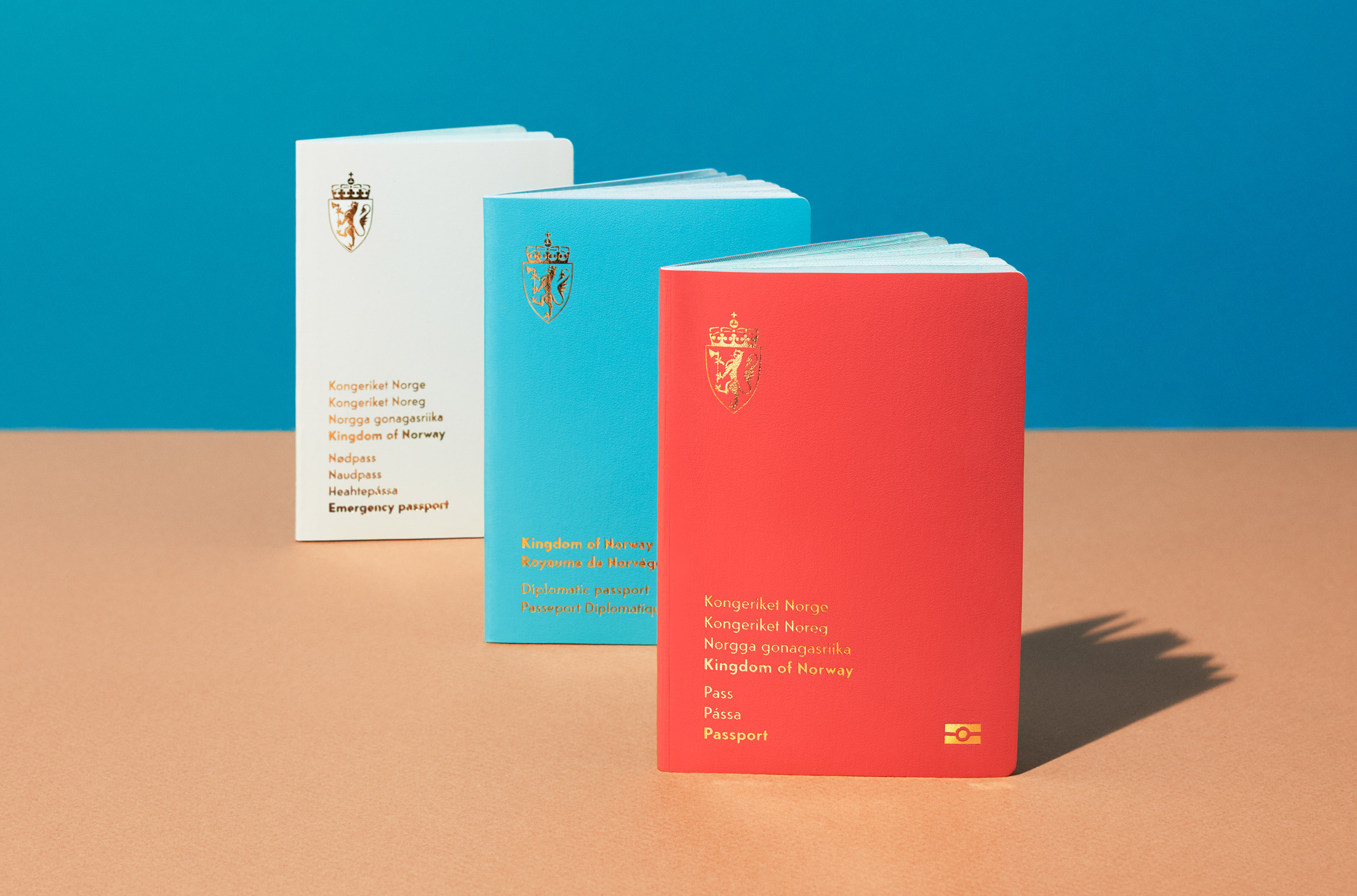 Neue studio's design for the covers of Norway's new passports