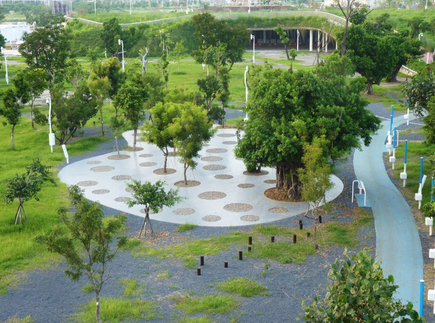 Trees and technology in Phase Shifts Park designed by landscape architects Mosbach Paysagistes in Taichung, Taiwan