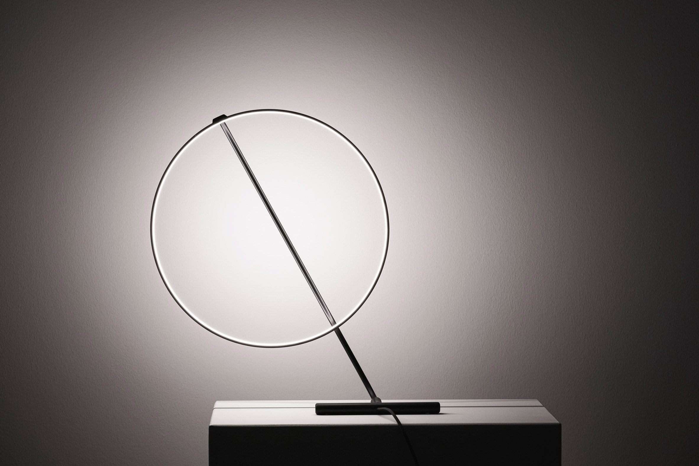 Rotating light of Poise lamp by Robert Dabi