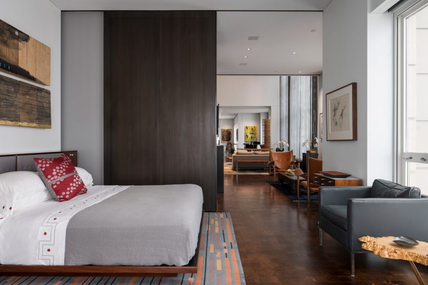 Guest room of Residence for Two Collectors by Wheeler Kearns Architects