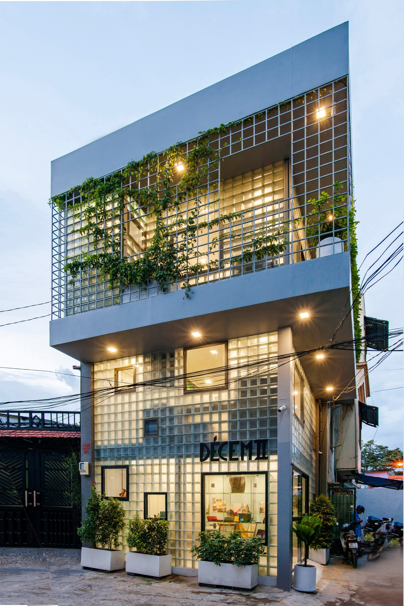House with glass brick walls