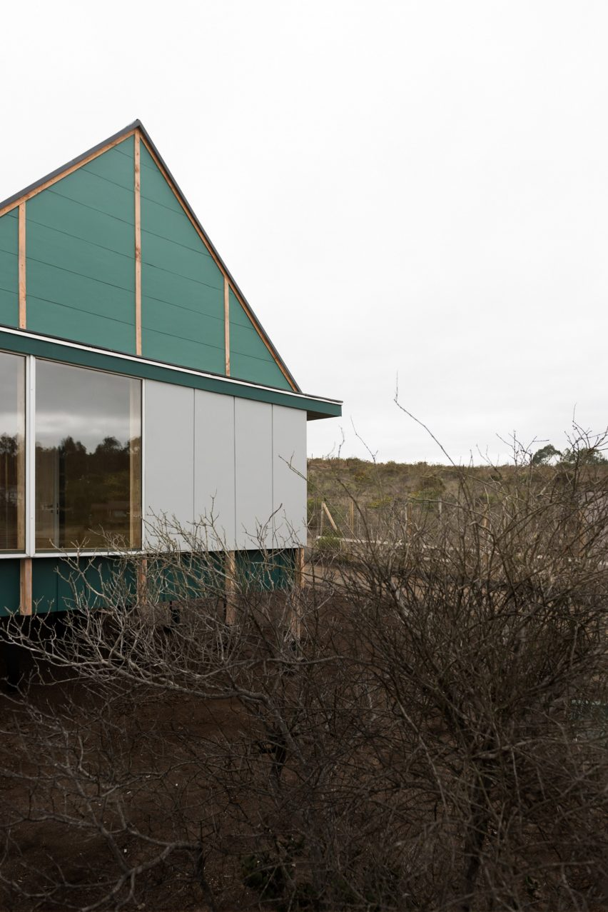 Short elevation of SP House by (E)StudioRO in Chile