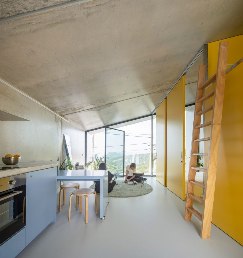 Living area of VDC modular prefabricated concrete housing by Summary in Portugal