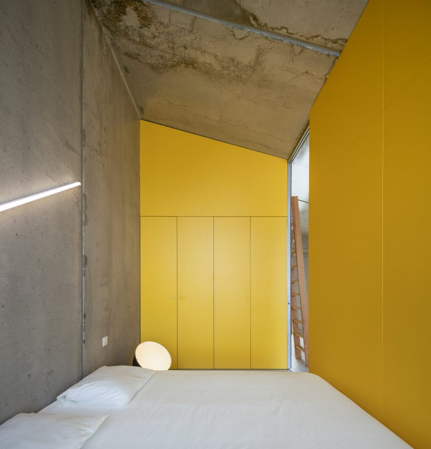 Bedroom of VDC modular prefabricated concrete housing by Summary in Portugal
