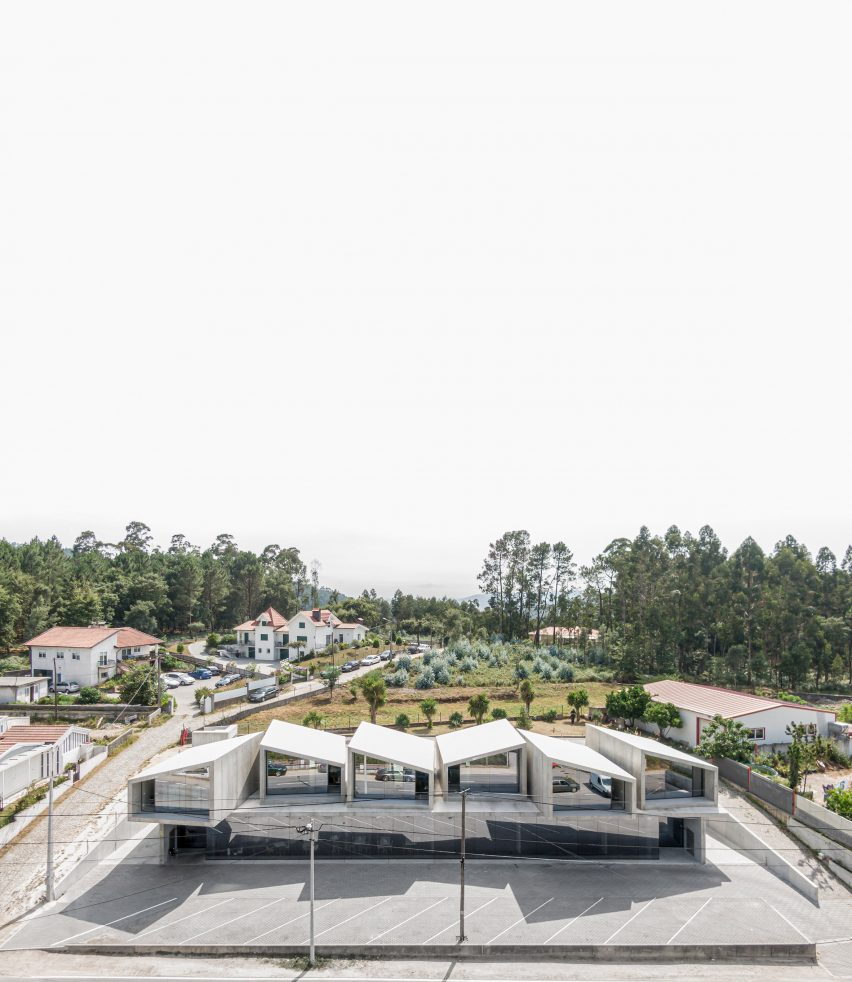 Houses and mixed-use combine to make VDC modular prefabricated concrete housing by Summary in Portugal