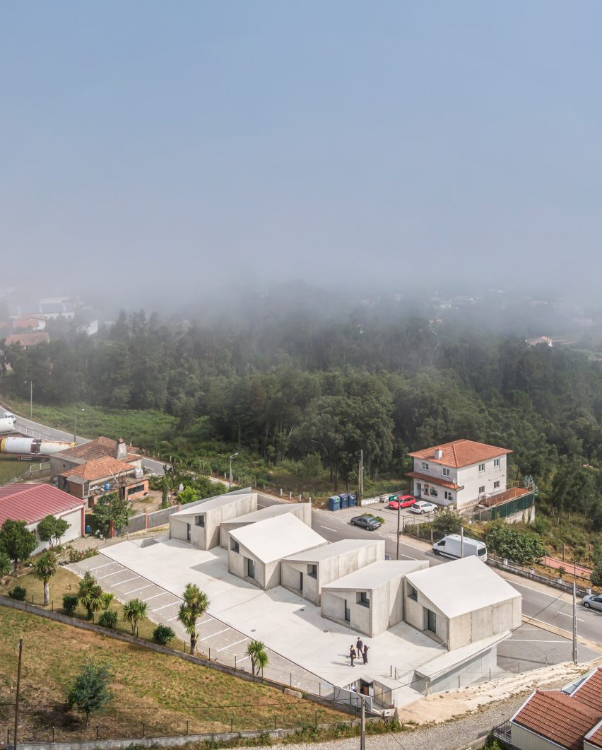 Ariel view of VDC modular prefabricated concrete housing by Summary in Portugal