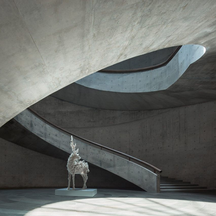 The central courtyard of Tadao Ando's cylindrical He Art Museum in China